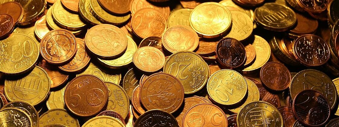 Geld Münzen Spende Kollekte Finanzen