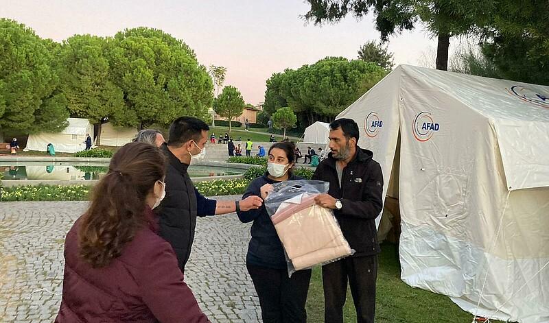 Hilfe nach dem Erdbeben in Izmir