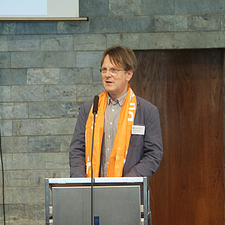 Ralf-Peter Greif - mit Kirchentagsschal