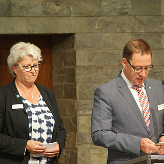 Corinna Zeschky und Dirk Zimmer beim Abschlussgottesdienst